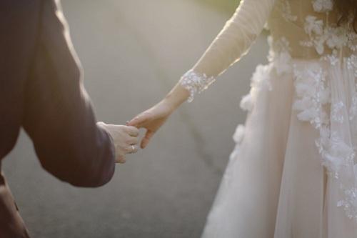 Vợ chồng khó tránh khỏi va vấp, vì thế đôi bên đều cần phải dung hòa