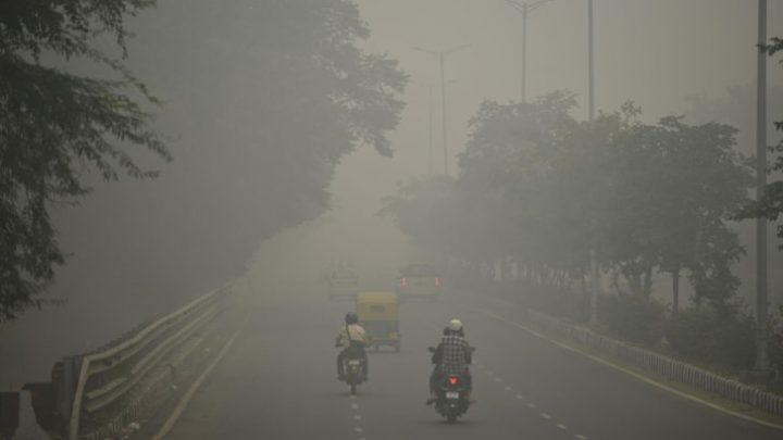 Ấn Độ thu khí thải carbon trong không khí biến nó thành gạch xây dựng