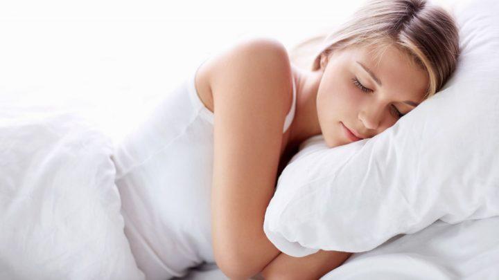 Làm việc này trước khi đi ngủ để có một vóc dáng đẹp và đôi chân thon gọn