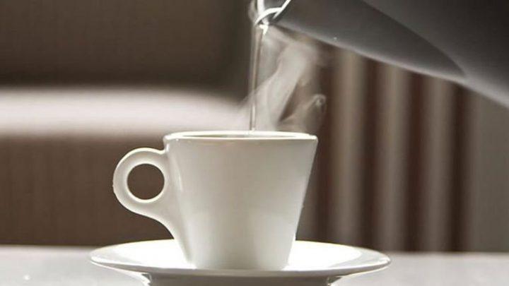 Lợi ích của việc uống nước ấm vào buổi sáng