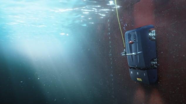 Robot HullSkater giúp dọn sạch vỏ tàu giải cứu cho tàu thuyền