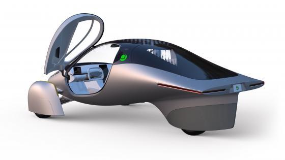 Xe điện chạy bằng năng lượng mặt trời không cần sạc